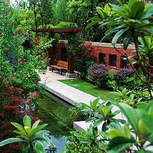 花卉展示 屋顶花园设计施工 > 私人别墅屋顶花园定制   屋顶绿化需要